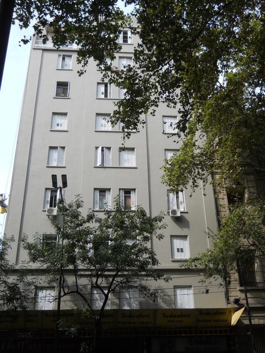 Foto Departamento en Venta en  Balvanera ,  Capital Federal  Av.Belgrano al 2600