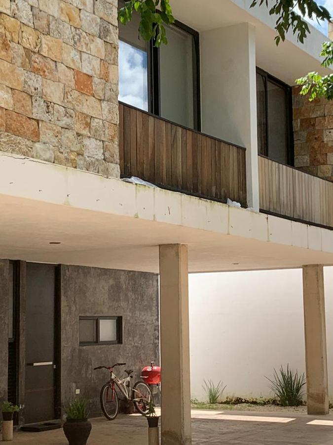 Foto Departamento en Renta en  Montes de Ame,  Mérida  En renta townhouse amueblado en Montes de Amé.