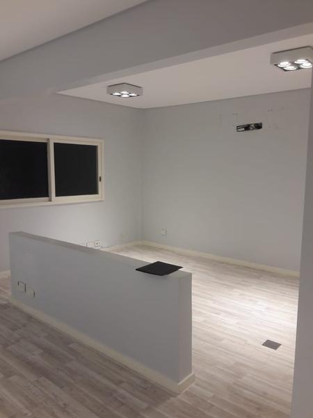 Foto Oficina en Alquiler | Venta en  Monserrat,  Centro (Capital Federal)  Lima al 200