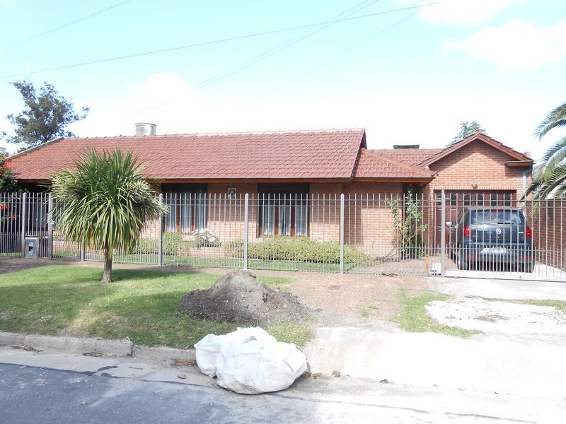 Foto Casa en Venta en  Mar Del Plata ,  Costa Atlantica  Lopez de Gomara al 6600