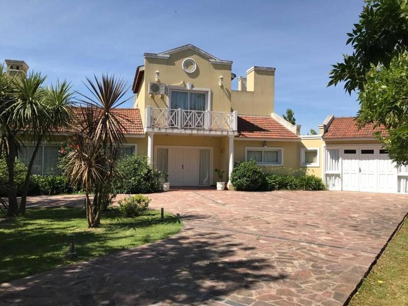 Foto Casa en Venta en  Haras del Sur II,  Countries/B.Cerrado (La Plata)  Haras del sur