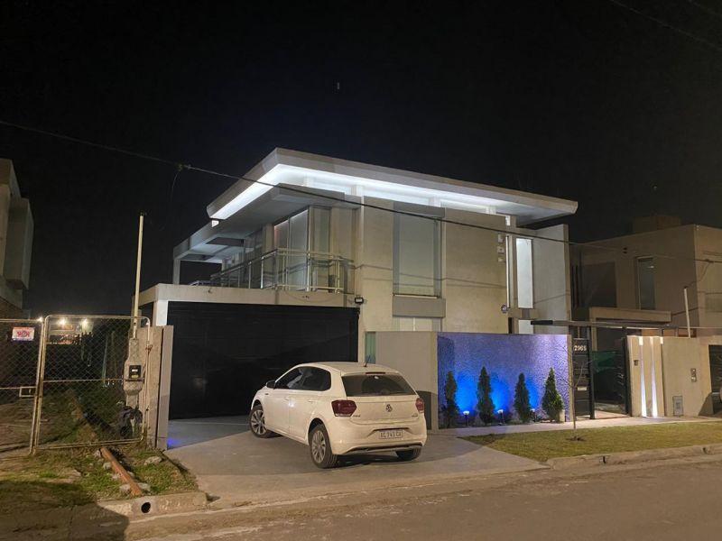 Foto Casa en Venta en  Manuel B Gonnet,  La Plata  138 Entre 501 y 504