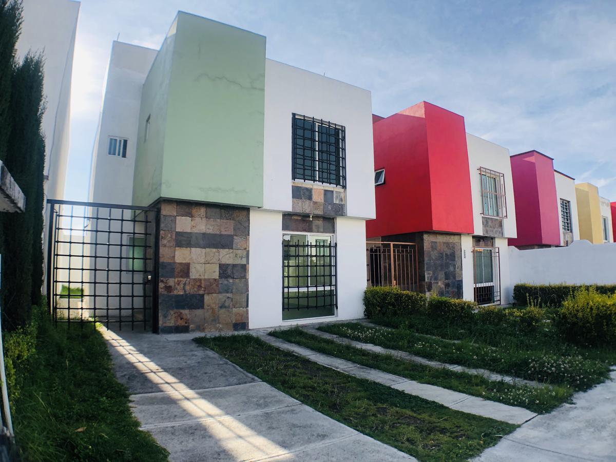 Foto Casa en condominio en Venta en  Urbano Bonanza,  Metepec  Jesus Guerrero Galvan