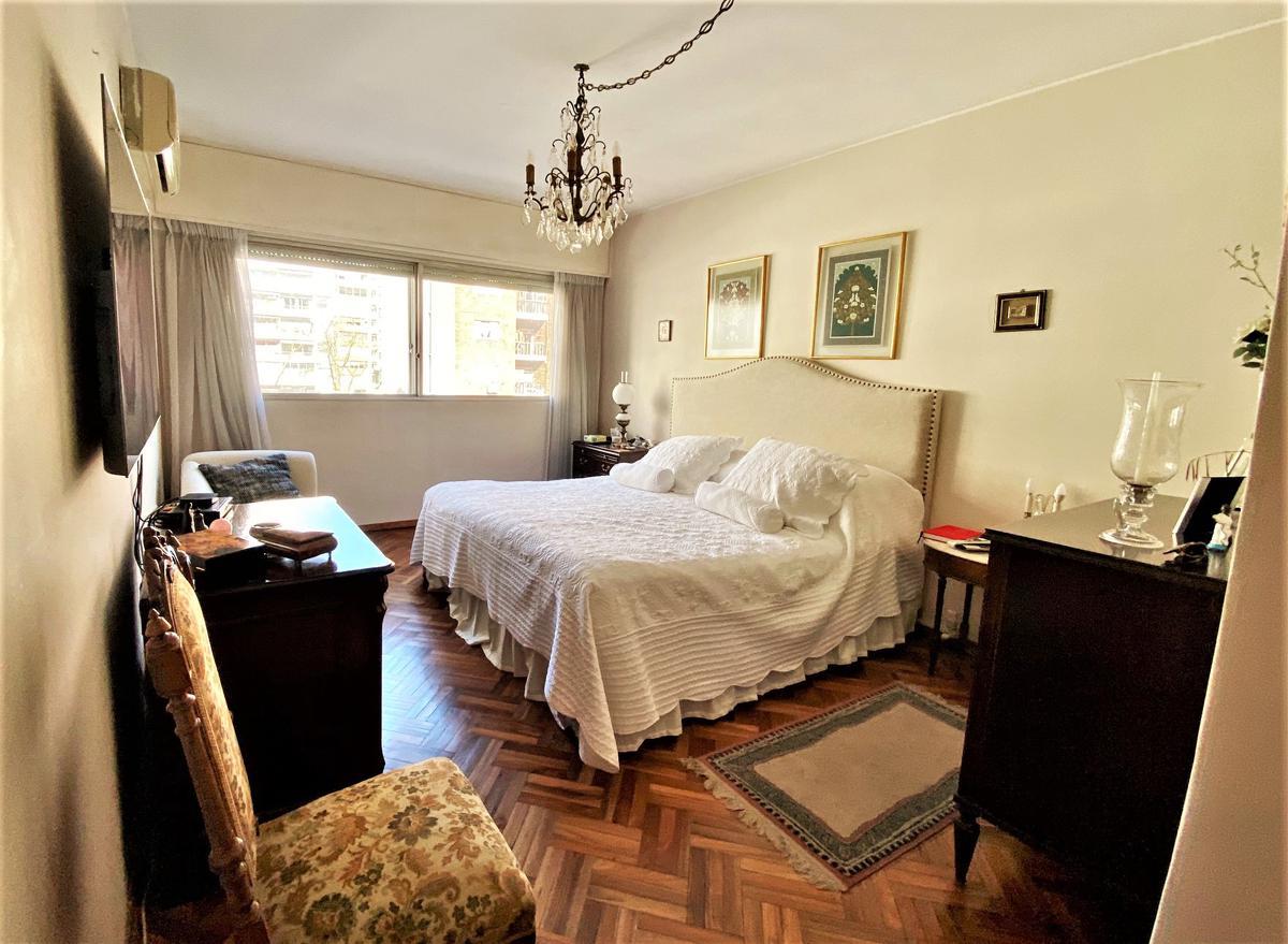 Foto Apartamento en Venta en  Pocitos ,  Montevideo  Pocitos cercano a servicios