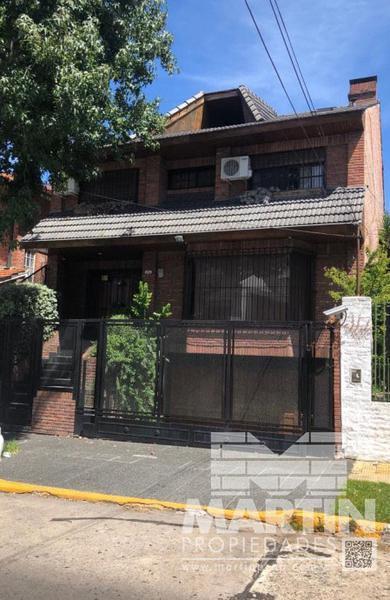 Foto Casa en Venta en  La Lucila-Vias/Maipu,  La Lucila  RIOJA al 3700
