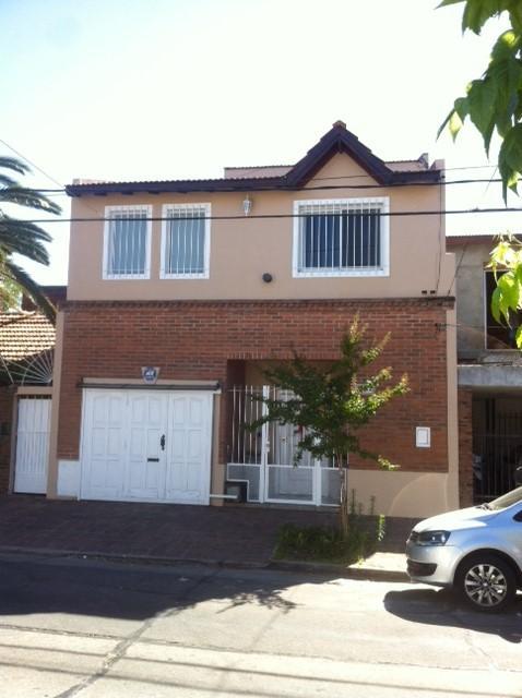 Foto Casa en Venta en  Martinez,  San Isidro  castro barros al 2500