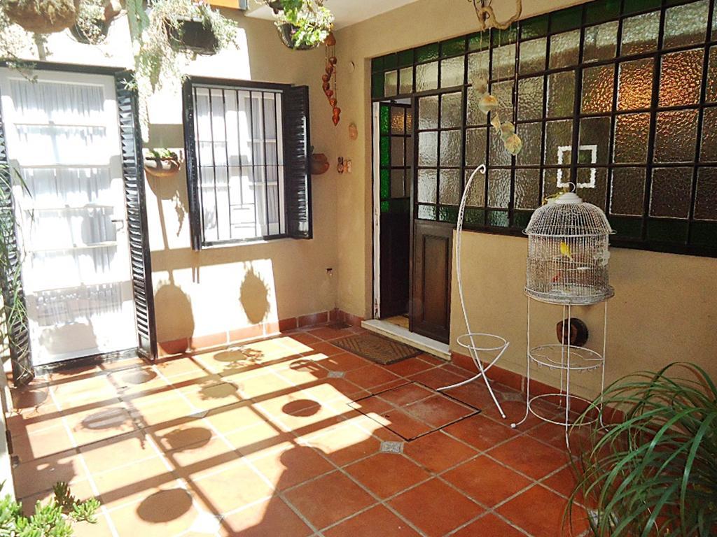 Foto Casa en Venta en  V.Lopez-Vias/Maipu,  Vicente Lopez  Av. San Martín al 1400
