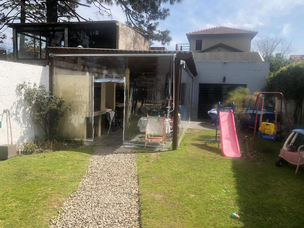 Foto Casa en Venta |  en  Parque Miramar ,  Canelones  Parque Miramar - Solida, amplia y moderna Casa