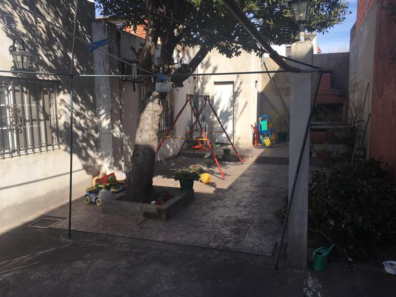Foto Casa en Venta en  Lanús Oeste,  Lanús  1 de Mayo al 3000