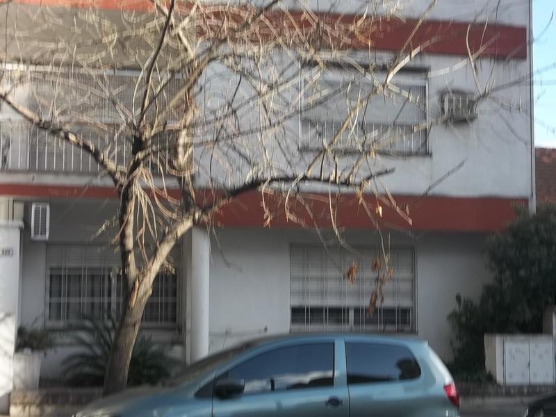 Foto Departamento en Alquiler en  Lomas De Zamora ,  G.B.A. Zona Sur  MITRE al 200