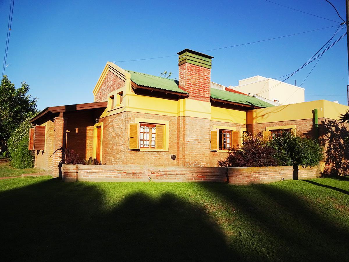 Foto Casa en Venta en  General Pico,  Maraco  Calle 115 esq. 20