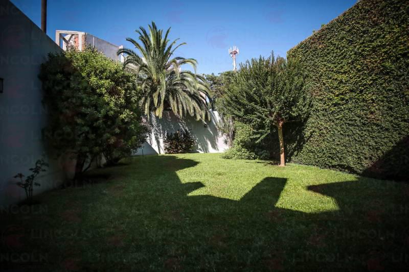 Foto Casa en Venta en  Villa Devoto ,  Capital Federal  San Nicolas al 4700