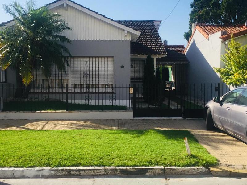 Foto Casa en Venta en  Lomas de Zamora Este,  Lomas De Zamora  FONROUGE 850 e/PIROVANO y NICORA