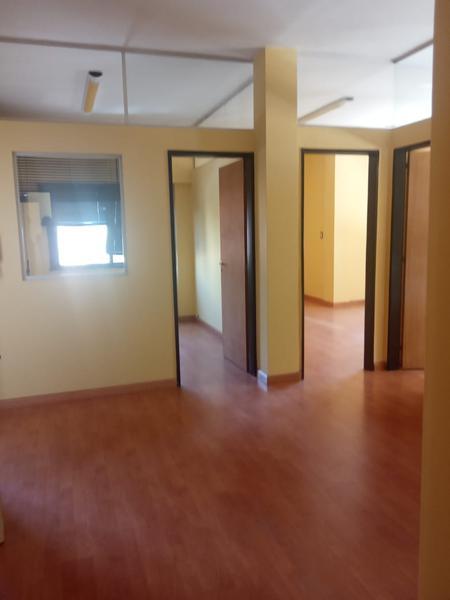 Foto Oficina en Alquiler en  Capital ,  Neuquen  Irigoyen  al 400