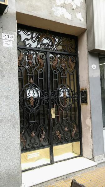 Foto Oficina en Venta en  Monserrat,  Centro  Peru al 200 entre Alsina y Moreno