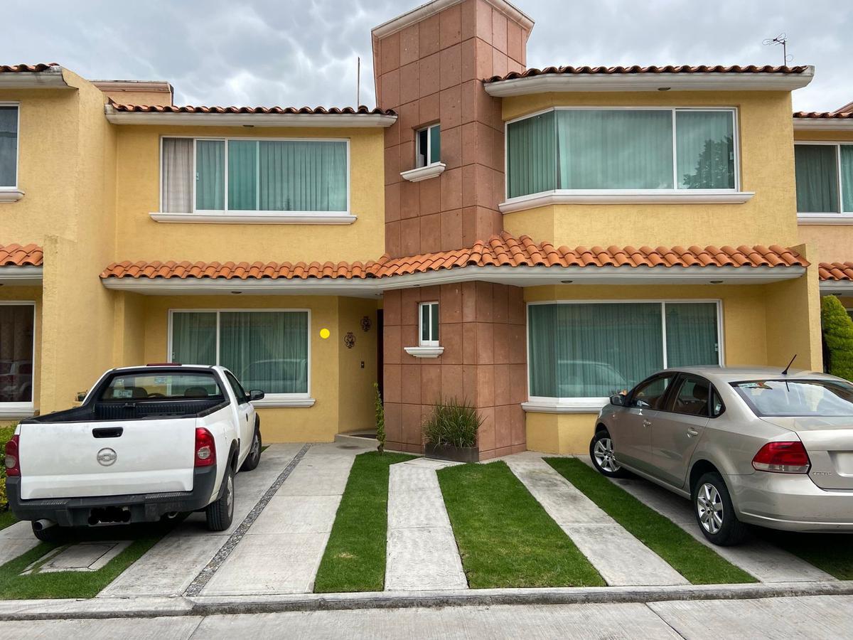 Foto Casa en condominio en Renta en  San Jerónimo Chicahualco,  Metepec  CASA AMUEBLADA EN FRACC NOGAL