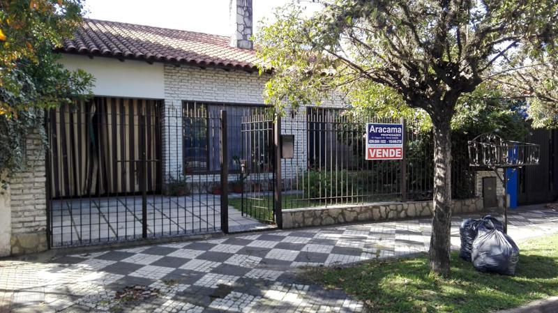 Foto Casa en Venta en  Monte Grande,  Esteban Echeverria  Vicente Lopez al 900