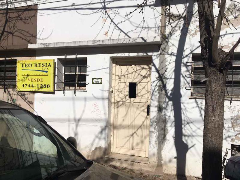 Foto Casa en Venta en  S.Fer.-Vias/Centro,  San Fernando  JUNIN 1300