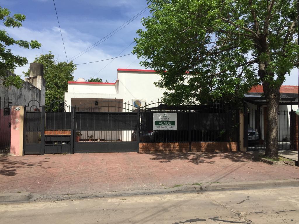 Foto Casa en Venta en  Centro (Moreno),  Moreno  Dr. Vera al 400