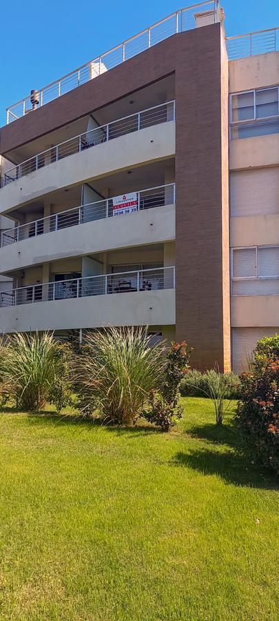 Foto Apartamento en Alquiler en  Barra de Carrasco ,  Canelones  Sobre la Rambla