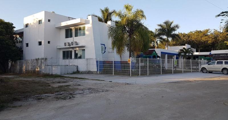 Foto Edificio Comercial en Renta en  Puerto Morelos,  Puerto Morelos  Establecimiento en renta para escuela en Puerto Morelos