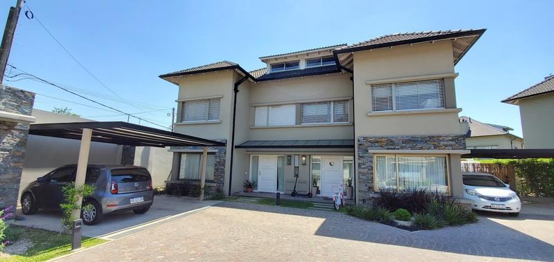 Foto Casa en Venta en  Lomas de Zamora Oeste,  Lomas De Zamora  Italia al 662