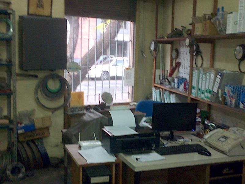 Foto Local en Venta en  Barracas ,  Capital Federal  Lamadrid al 1800 entre Feijoo y Herrera