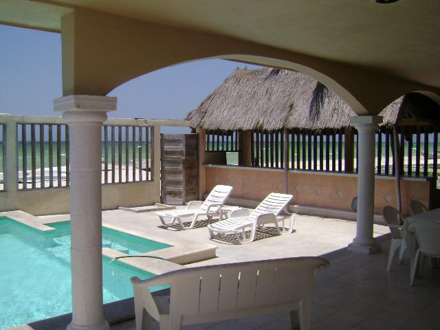 Foto Casa en Venta en  Progreso de Castro Centro,  Progreso  CASA - 3 DEPARTAMENTOS DE PLAYA