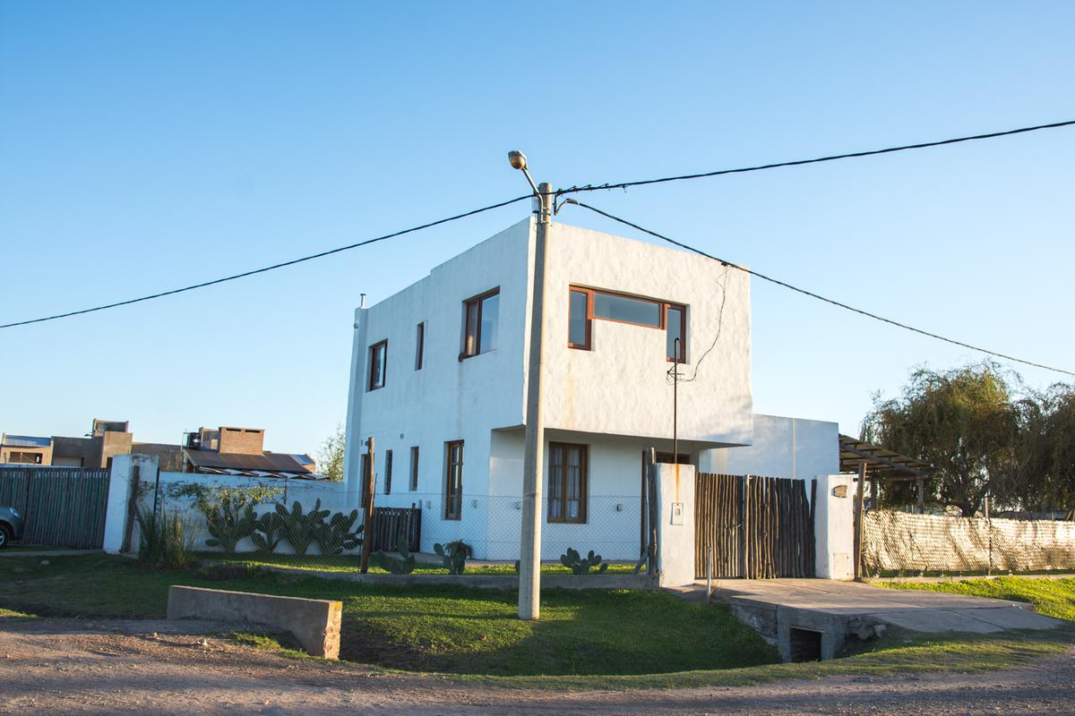 Foto Casa en Venta en  Funes City,  Funes  Alfonsín al 600