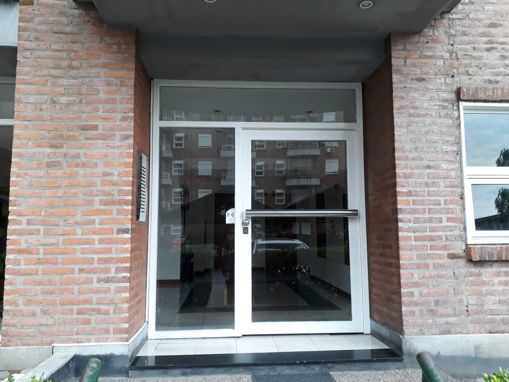 Foto Departamento en Alquiler en  Sarandi,  Avellaneda  Estanislao Zeballos al 3600