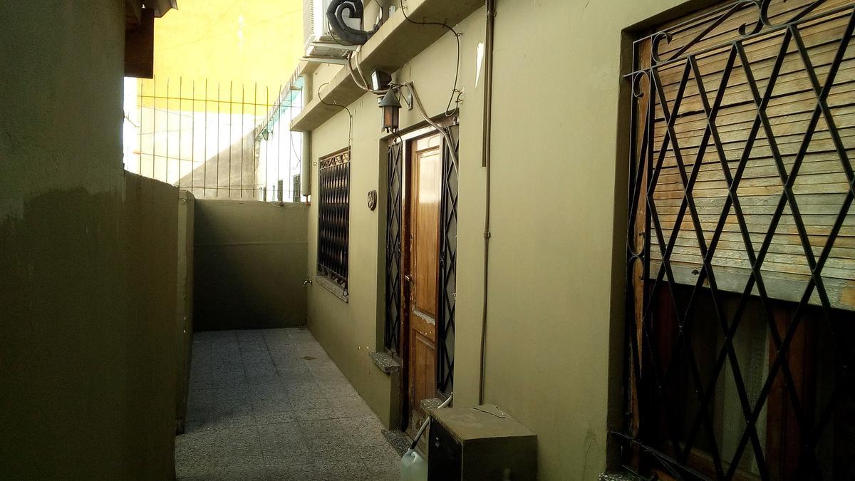 Foto Casa en Venta en  Ramos Mejia,  La Matanza  Av. de Mayo 2215
