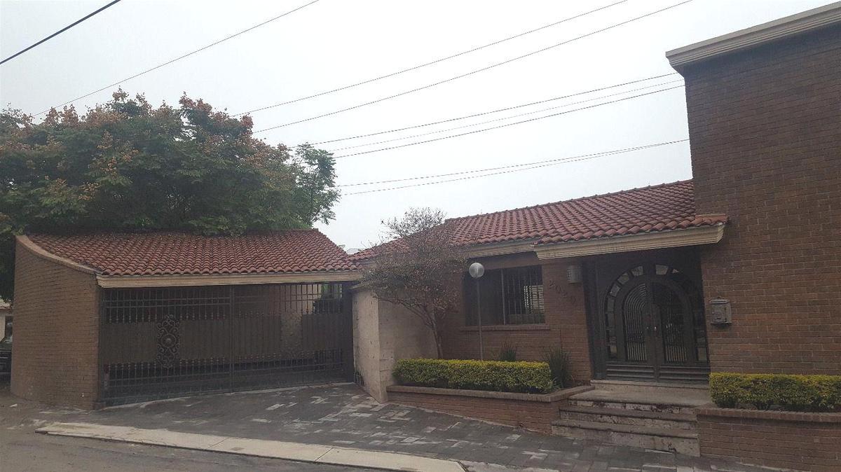 Foto Casa en Renta en  Cumbres 2do Sector,  Monterrey  Cumbres 2do Sector