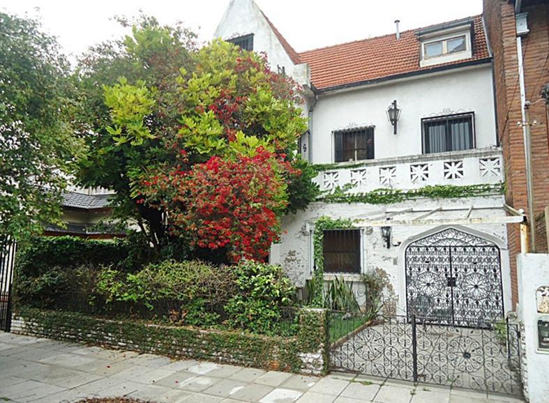 Foto Casa en Venta en  V.Lopez-Vias/Maipu,  Vicente Lopez  Madero al 600