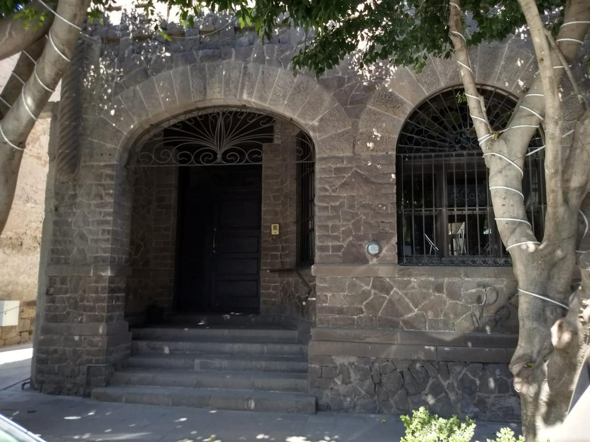 Foto Casa en Renta en  San Luis Potosí ,  San luis Potosí  CASA PARA NEGOCIO U OFICINAS EN RENTA EN TEQUIS, SAN LUIS POTOSI