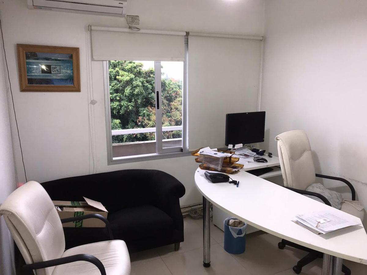 Foto Oficina en Alquiler en  Castelar Norte,  Castelar  Montes de Oca