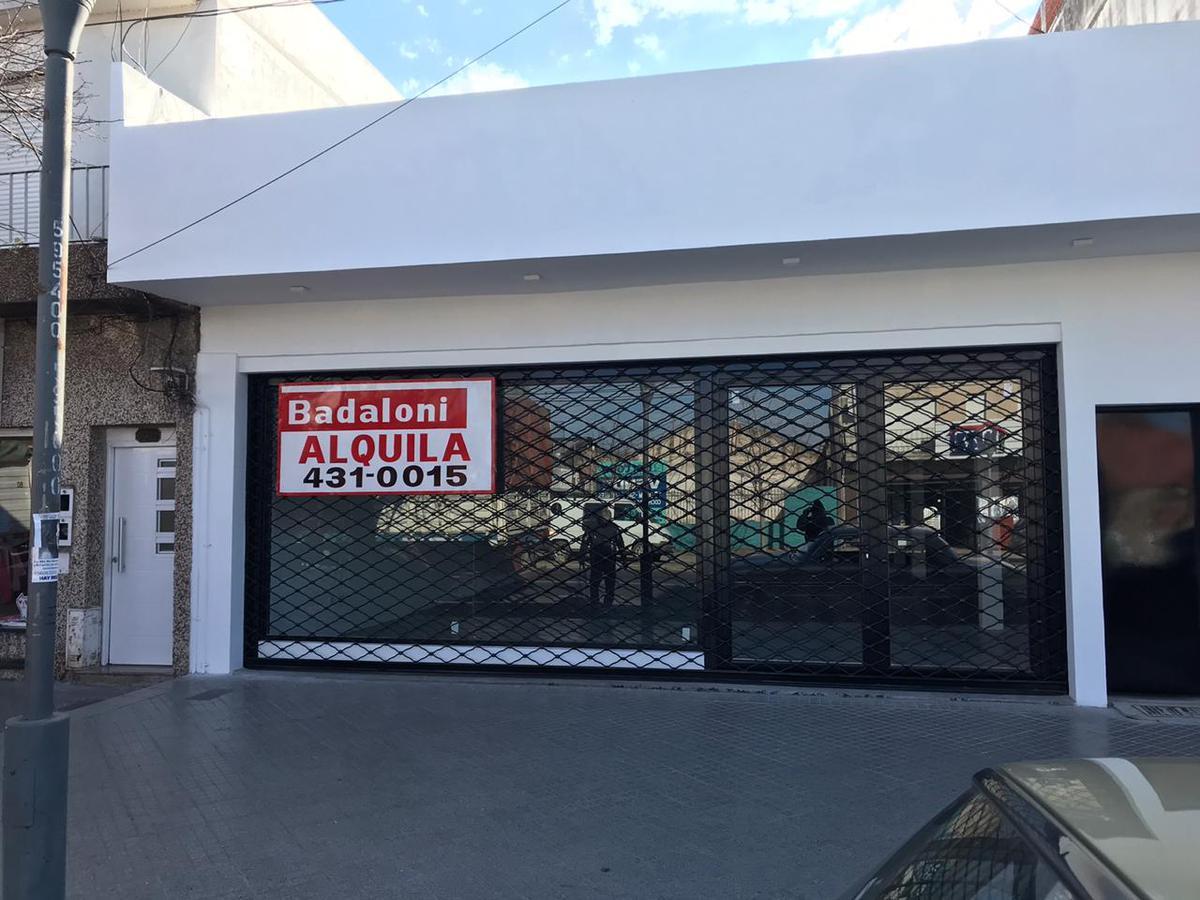 Foto Local en Alquiler |  en  Azcuenaga,  Rosario  Mendoza 5960