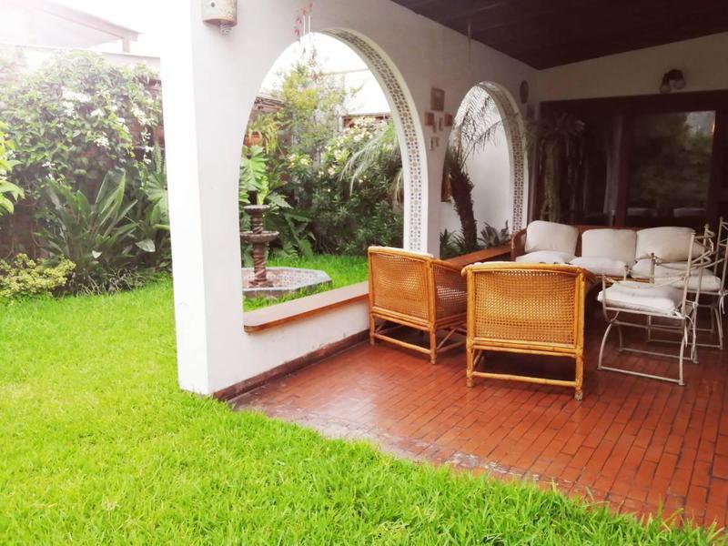 Foto Casa en Venta |  en  Santiago de Surco,  Lima  jiron eduardo de rivero y ustariz