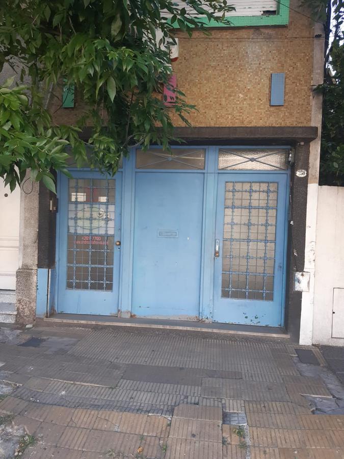 Foto Departamento en Venta en  Avellaneda,  Avellaneda  FRENCH al 300