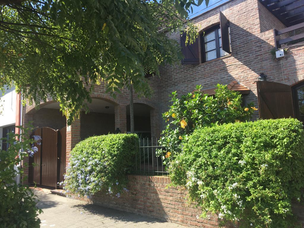 Foto Casa en Venta en  Nueva Palmira ,  Colonia  25 de Mayo entre Montevideo y Lazaro Gadea - Nueva Palmira