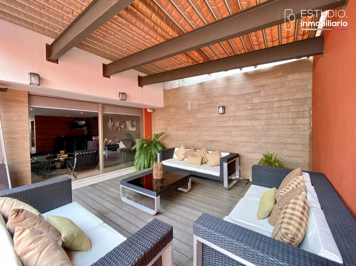 Foto Casa en Venta en  Parques de la Herradura,  Huixquilucan  CASA EN VENTA PARQUES DE LA HERRADURA. estricta seguridad, amplia, luminosa.
