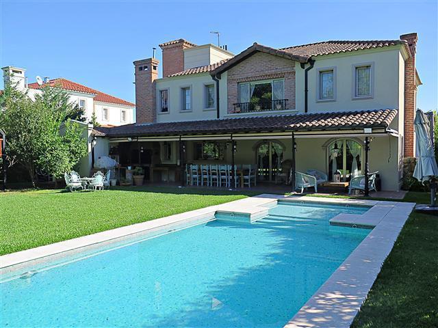 Foto Casa en Venta en  El Centauro,  Countries/B.Cerrado  CASA EN VENTA :: CANNING :: EL CENTAURO