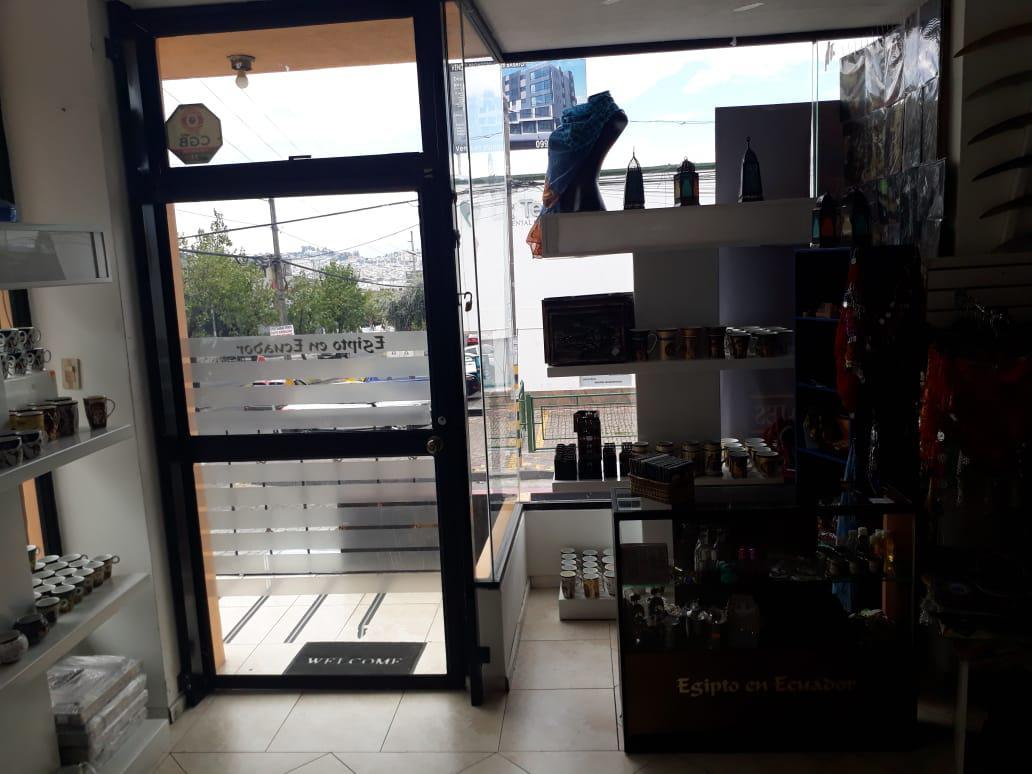 Foto Local en Alquiler en  Centro Norte,  Quito  El Bosque