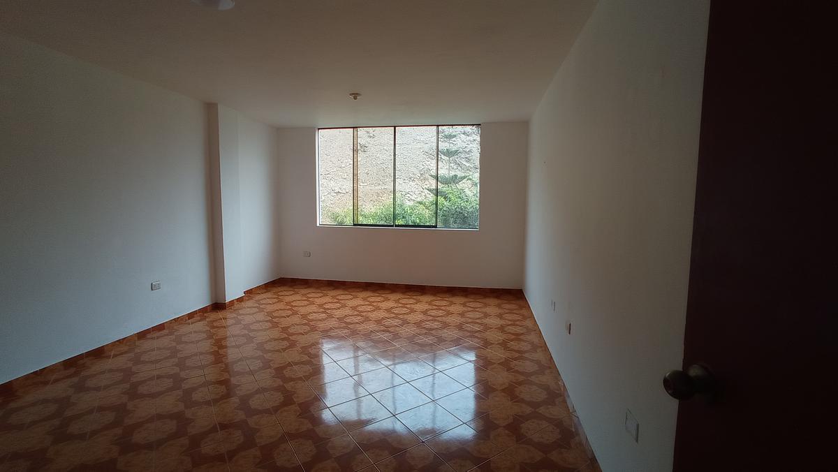 Foto Departamento en Alquiler en  La Molina,  Lima  Alquiler de departamento en La Molina, Cdra 24 Alam. Corregidor