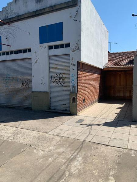 Foto Casa en Venta en  Banfield Este,  Banfield  Derqui 341
