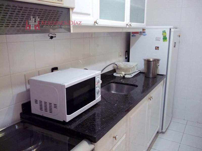 Foto Departamento en Venta en  Playa Mansa,  Punta del Este  Extraordinario Apartamento a Solo Metros de la Playa