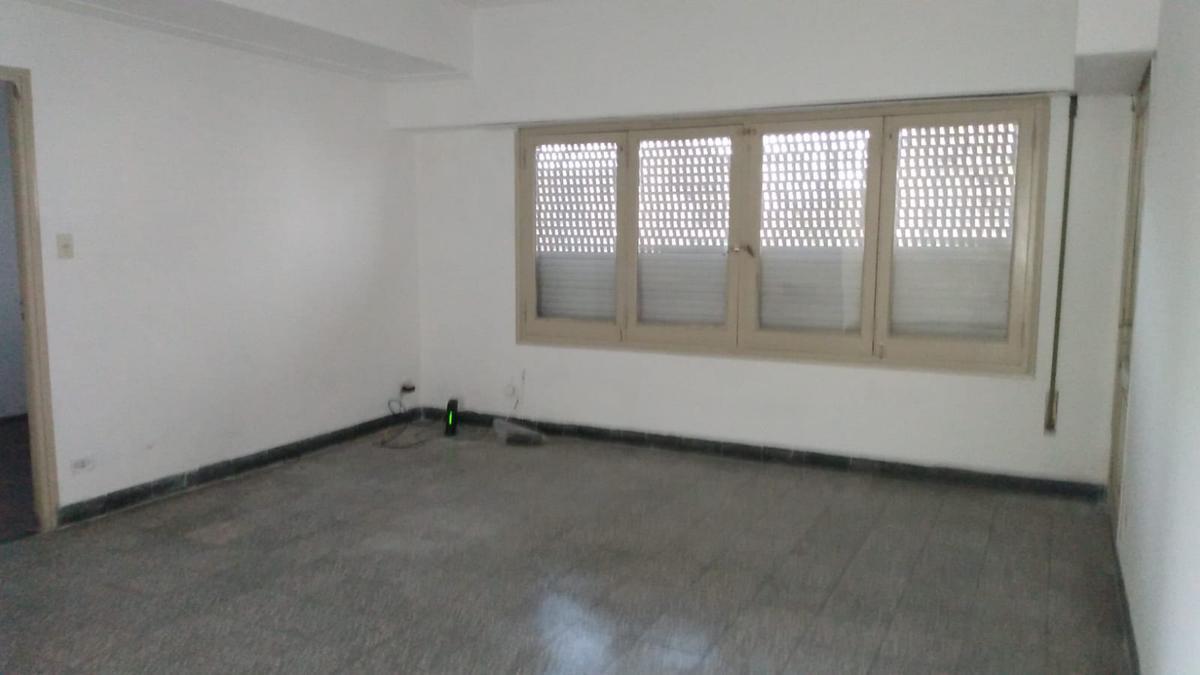 Foto Casa en Alquiler en  Azcuenaga,  Rosario  LARREA 1610