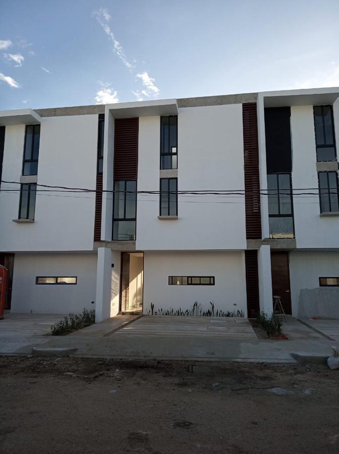 Foto Casa en Renta en  Benito Juárez Nte,  Mérida  Rento moderno Townhouse al norte de Merida