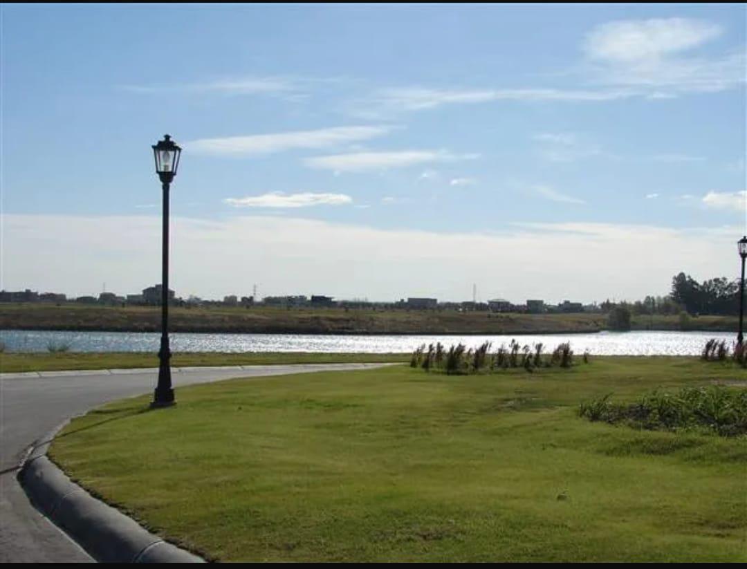 Foto Terreno en Venta |  en  Villanueva,  Countries/B.Cerrado (Tigre)   Lote en Venta a la laguna en San Gabriel