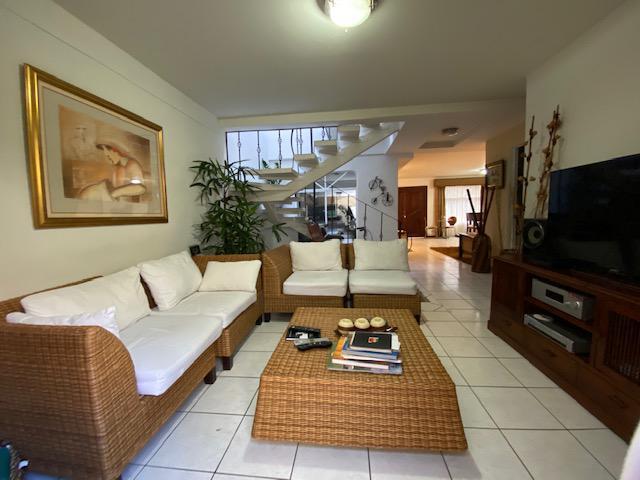 Foto Casa en Venta en  San Francisco de Dos Rios,  San José  Casa de 4 habitaciones / Remodelada en 2006 / Fácil acceso /Negociable