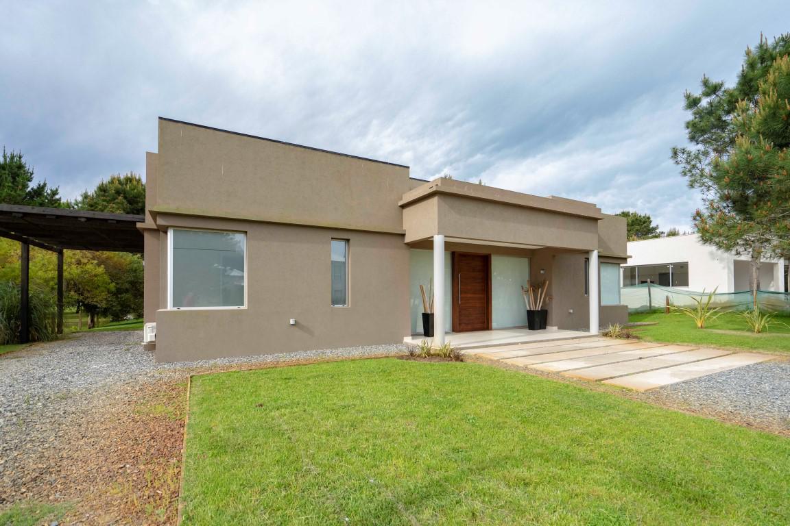 Foto Casa en Alquiler temporario en  La Herradura,  Pinamar  Del Rodeo 365